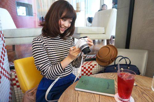 市岡麻美さんに学ぶ「写真をかわいく撮る」「写真にかわいく写る」簡単なコツ