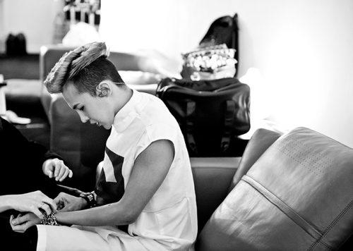 G-DRAGON(BIGBANG)初のソロワールドツアーの裏側に迫るドキュメンタリー映画のDVD&ブルーレイ