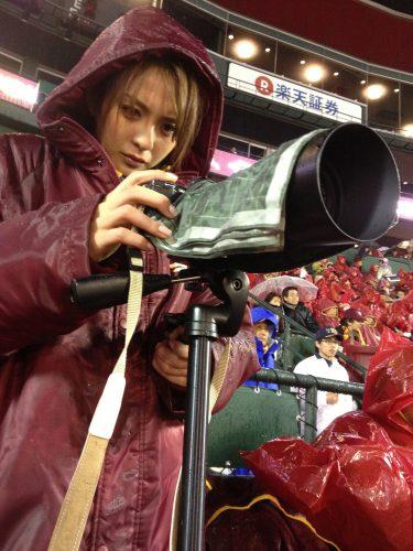 田中将大投手の「○○な表情」をモデル舞川あいくが撮った!