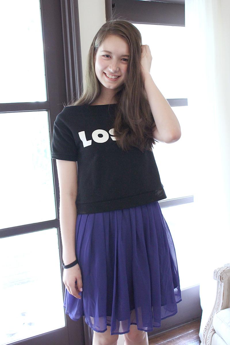 黒Tシャツのトラウデン直美