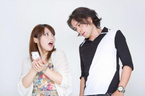【調査】デート中の相手のスマホ利用、気にかかる理由は男女でこんな違った!