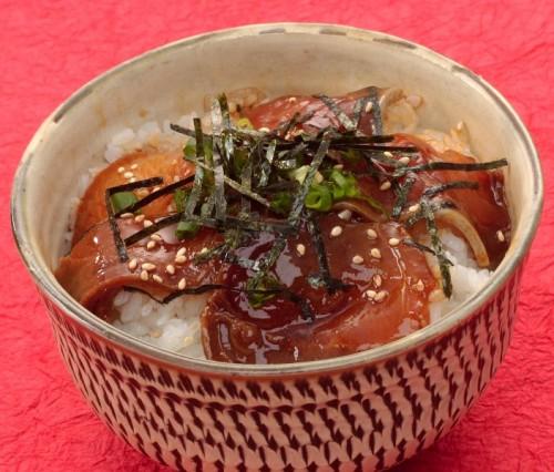 13.寒ブリ漬け丼(熱めし丼)