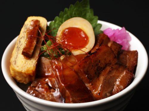 15.かごしま黒豚三昧丼