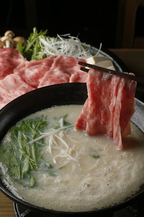 豆乳鍋_A5霜降り和牛の豆乳しゃぶしゃぶ