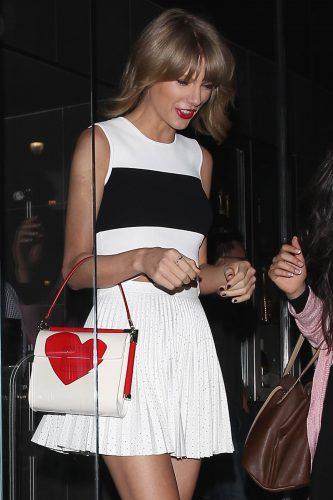 Taylor Swift with Roger Vivier T-shirt Love Miss Viv' copyright abacapress.com