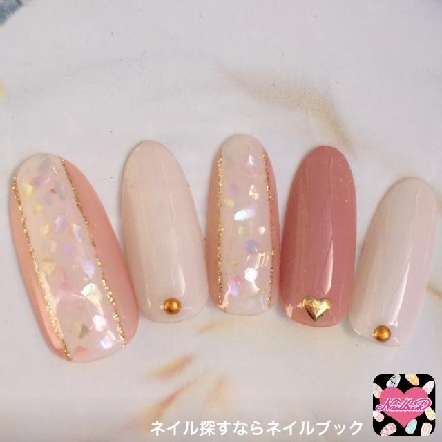 ピンク×ピンクの組み合わせの甘めネイル