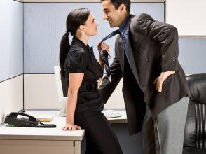 社内恋愛,オフィス,カップル,職場恋愛