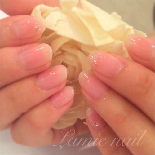 ■大人ピンクのシンプルネイル