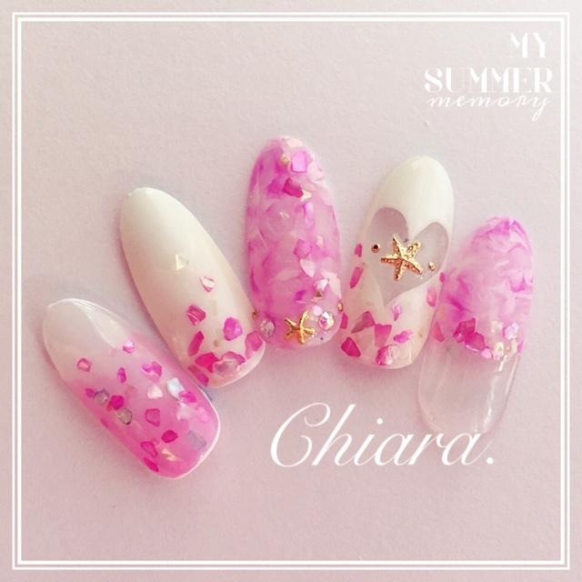 ピンク×白のハートシェルネイル