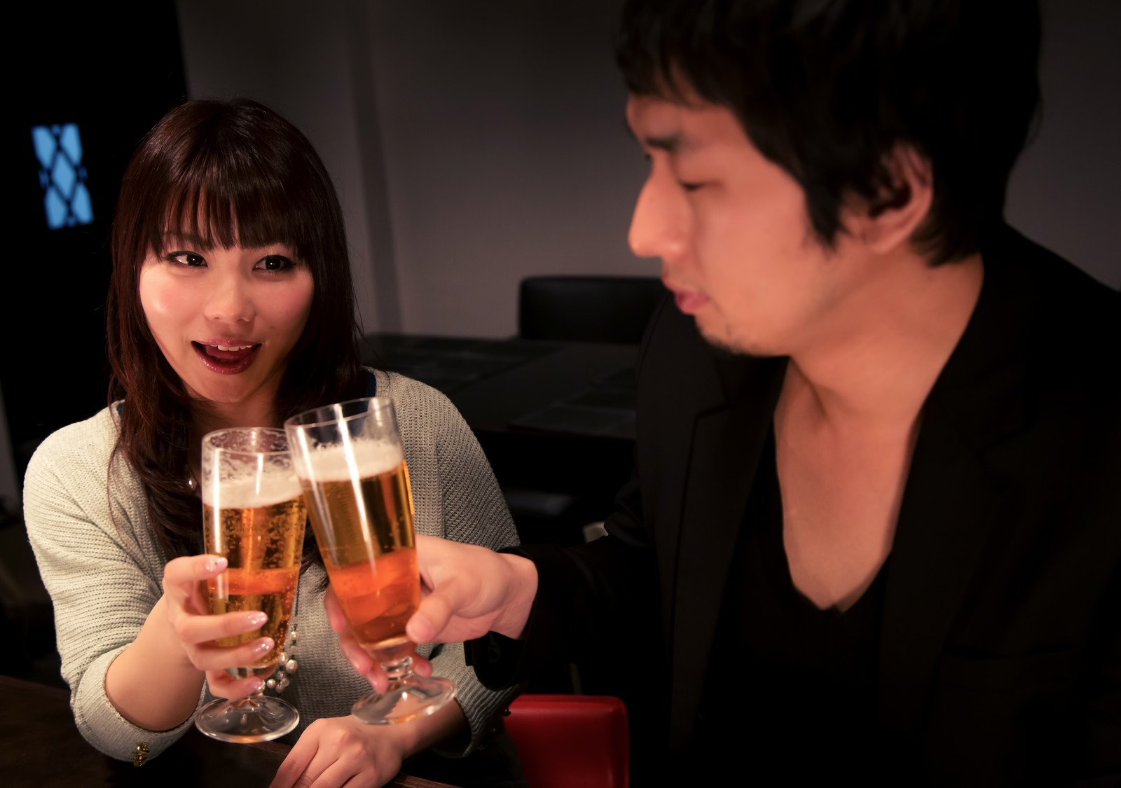 意外!飲み会やデートで本当にモテるお酒、男女ともに1位はビール
