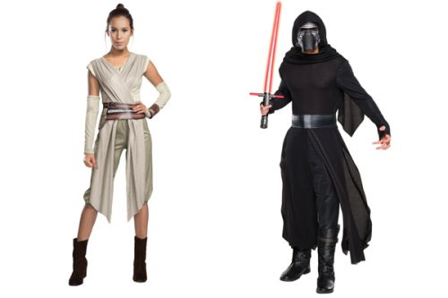 右:『スター・ウォーズ/フォースの覚醒』【カイロ・レン】¥9,990 左:『スター・ウォーズ/フォースの覚醒』【Rey】¥9,800