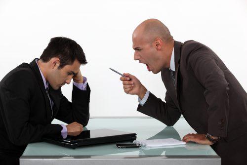 嫌われる,上司,特徴,付き合い方,仕事,コミュニケーション