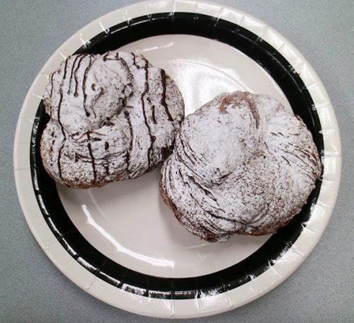 『ショコラデニッシュ(チョコ・ホイップ)』 各¥162(税込),ミスド,ミスタードーナツ