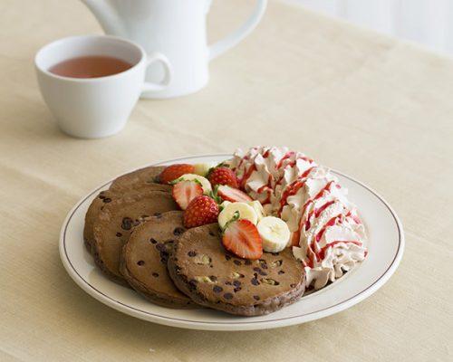 『トリプルチョコレートブラウニーパンケーキ』 価格:1,650円 (税別)