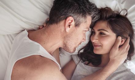 (c)Shutterstock,デート,お泊り,エッチ