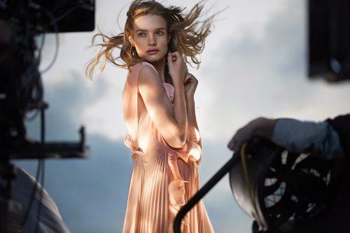 H&M,2017,サステイナブル素材,ドレス,海洋投棄