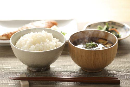 朝ごはん,味噌汁,白米