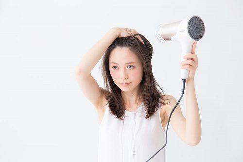 ■日々のケアでツヤツヤ髪に!ドライヤーを使った基本の乾かし方