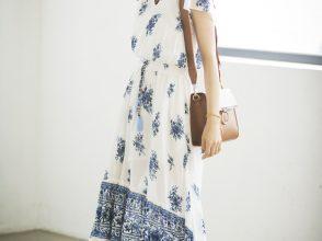 今日のコーデのワンピースを着こなす堀田茜
