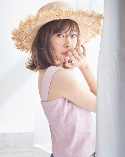 指原莉乃さんが表紙を飾るCanCam7月号