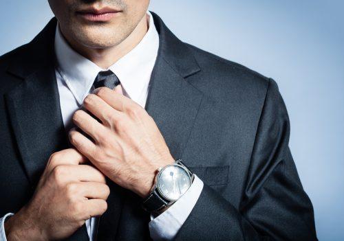 男性,スーツ,しぐさ,モテ,ネクタイ,