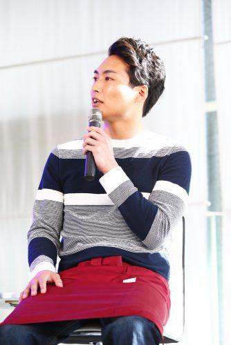 Love or Notファンイベントに登場した八木将康