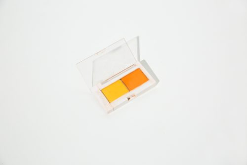 ■明るくポップなオレンジメイク