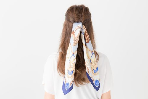 スカーフ×三つ編み簡単ロングアレンジ