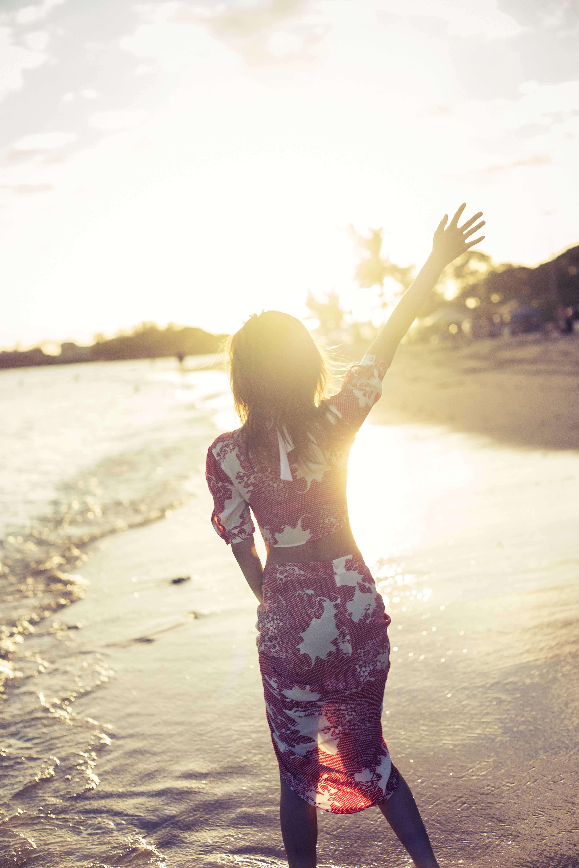 宇野実彩子ハワイで夕日