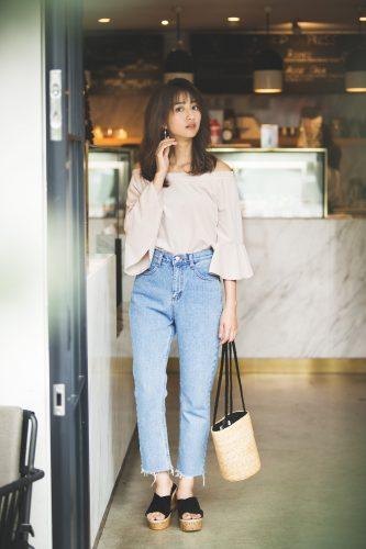 堀田茜, ファッション, コーディネート, 袖コンシャス, ジーンズ