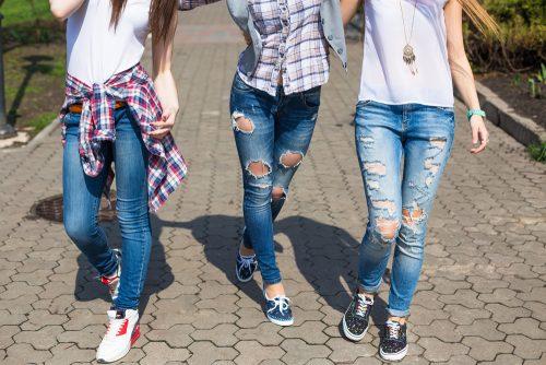 男子学生,苦手,女性,ファッション,ランキング,ダメージジーンズ