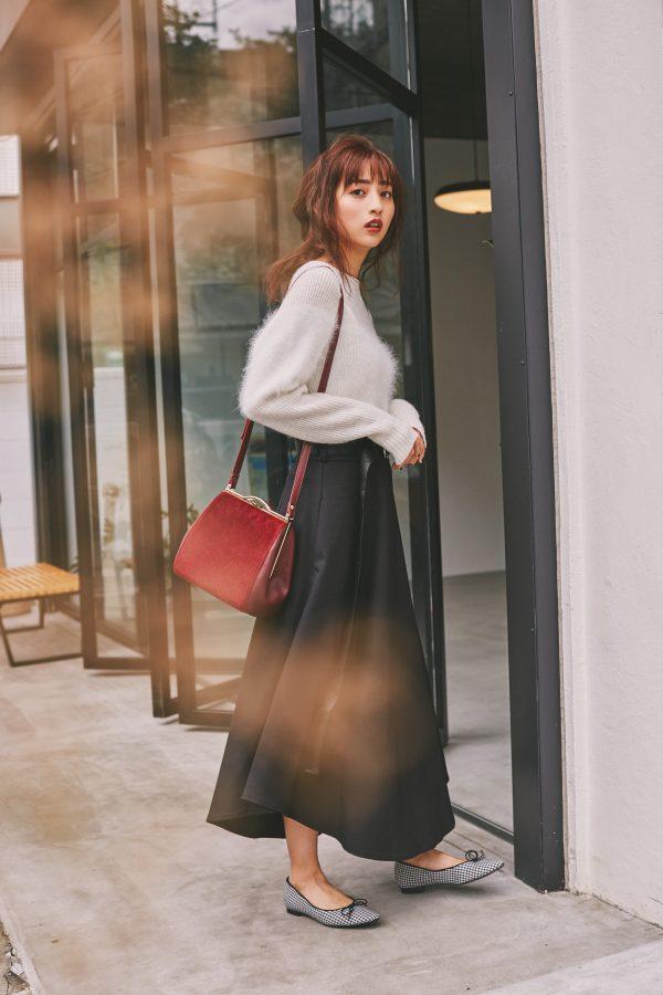 堀田茜,ロングスカート,セーター,気温10度〜12度のコーディネート