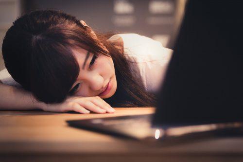 年明け,仕事,だるい,眠気,昼間,睡眠,コツ,対策