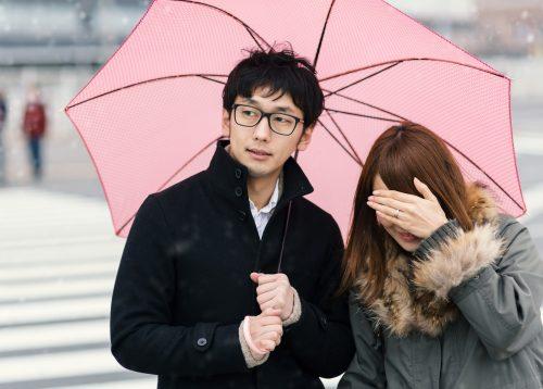 男女で相合傘
