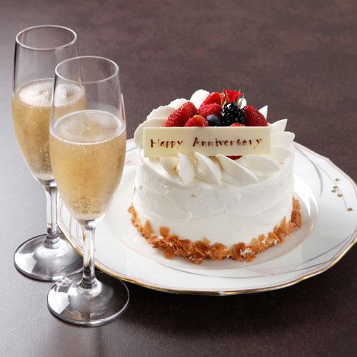 鉄板焼・和食 羽衣/ホテルオークラ東京ベイのケーキとワイン