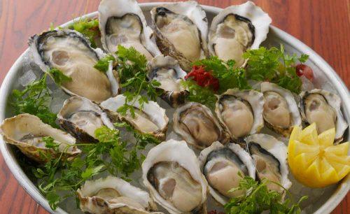 オイスター&ワイン ペスカデリア銀座店、生牡蠣、オイスター、レモン、牡蠣
