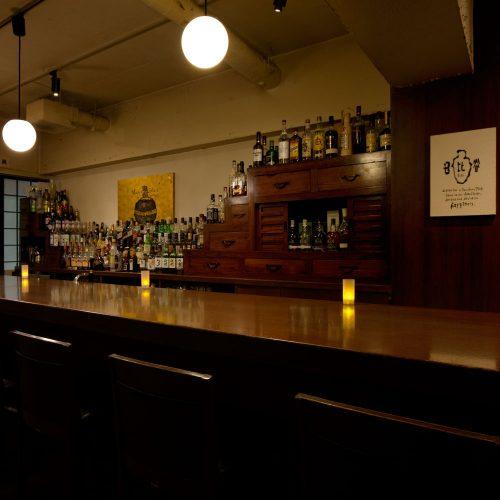 日比谷Bar 新宿西口店バー,新宿,本格,クラシック,バーカウンター