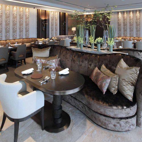 MOTIF RESTAURANT&BAR、フォーシーズンズホテル丸の内 東京,内装,店内,ラグジュアリー,シャンパンゴールド