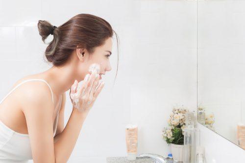 肌が乾燥したときのお手入れ方法