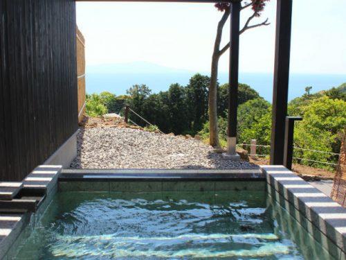 記念日を祝う宿 別邸KUROの露天風呂