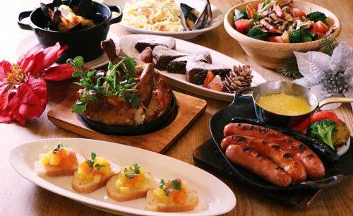 YONA YONA BEER WORKS 青山店、料理、ソーセージ、肉、サラダ