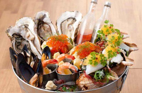 オサカナバル BLEU、魚介の盛り合わせ、牡蠣、エビ、いくら