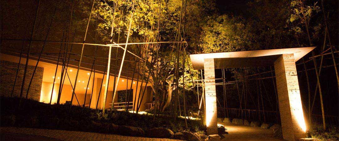金乃竹 塔ノ澤、箱根、温泉、玄関、ライトアップ