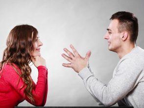 仲直りするカップル