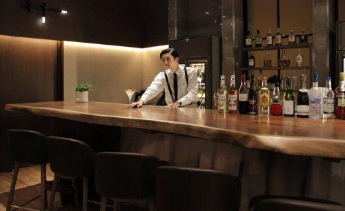 グリロジー バー&グリル/ヒルトン東京お台場のバーカウンター