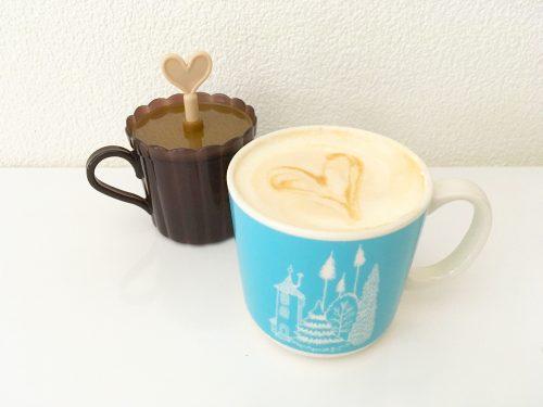 ホイップクリームとカフェラテ