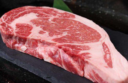 厳選焼肉ニクノトリコのステーキ