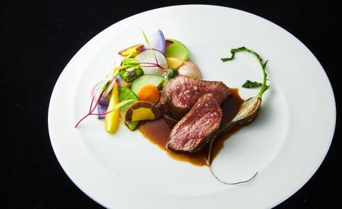 le vinquatreの肉料理