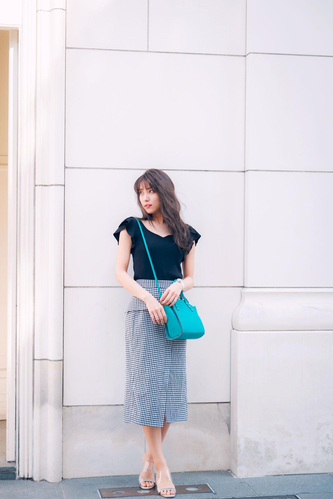 ギンガムチェックのタイトスカートが主役♡夏の上品デートコーデ