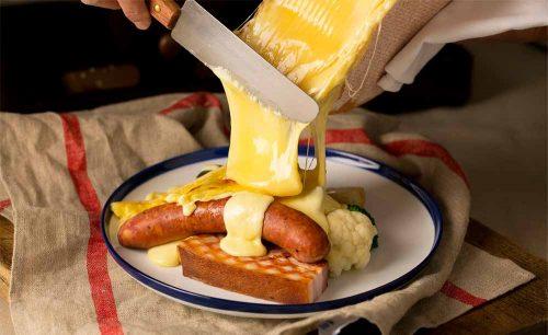 チーズとワインのお店 DEN HIBIYAのラクレットチーズ